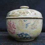 ANTIQUE WHITE CHUPU One & Only Color & pattern Nyonya COVERED JAR BOX Porcelain